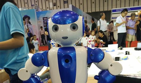 乐森发力玩具机器人 安全问题仍是行业发展最大挑战
