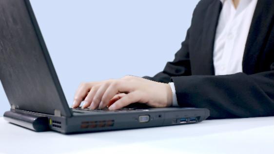 """杀入""""果链""""!闻泰科技取代台厂成苹果MacBook组装供应商"""