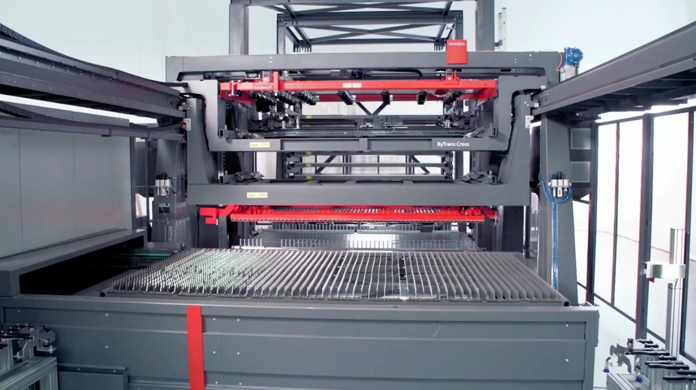 激光切割都实现自动化了,未来的工厂有几个工人?