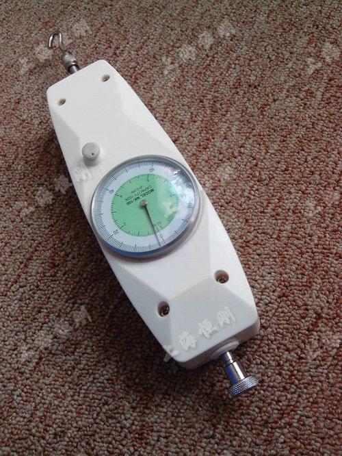 指针式弹簧测力计